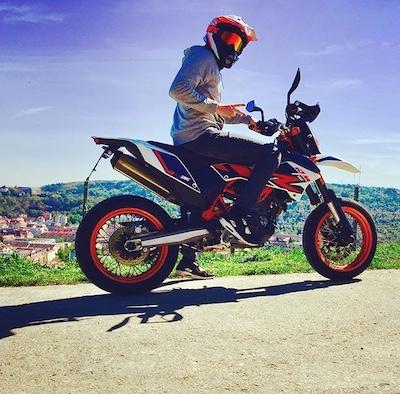 Motorrad Headset Testperson